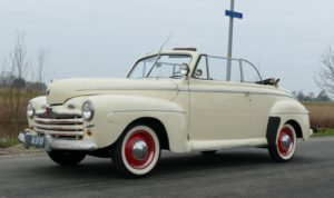 Ford V8 Super Deluxe Convertible Coupe 1946